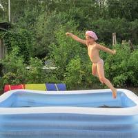 Дети и вода на даче- как и где можно купаться )