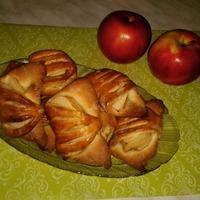 Конвертики с яблоками.