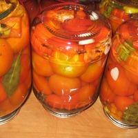 Маринованные помидоры сладко-острые.