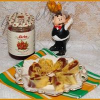 """Десертный """"сыр"""" с клюквенным соусом"""