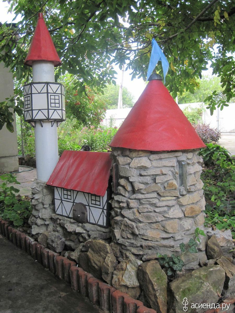 Замок своими руками в саду