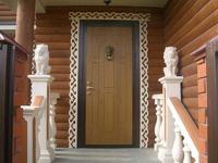 Металлическая дверь в деревянном доме: выбор, установка