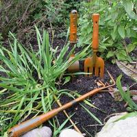Теряете свой садовый инструмент на участке? Смотрите что я придумала