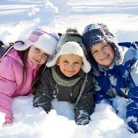 Зимние забавы для детей на даче