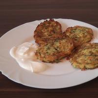 Kabak mucveri. Оладьи из кабачков по-турецки. Пошаговый рецепт.