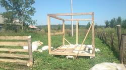 Вот мы и начили строить курятник
