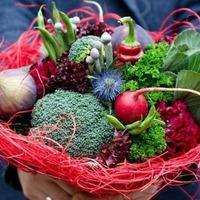 Фрукты и овощи во флористике