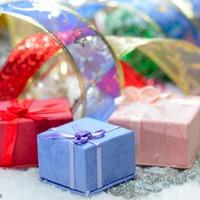 Вот и елка!!! Новый Год!!! Новый Год!!! Новый Год!!! Нам подарки принесёт, принесёт!!! Добрый Дедушка Мороз!!!