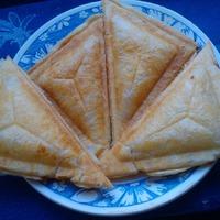 Быстрые слоеные пирожки в бутерброднице