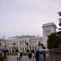 Прогулка по живописной территории Ливадийского дворца.