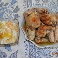 Курица в капустном маринаде.