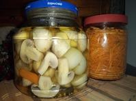 Морковь-ча и маринованные шампиньоны к праздникам.
