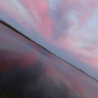 Полуночные акварели на берегу озера.