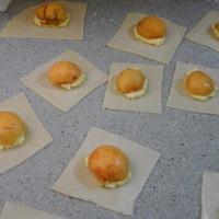 """Пирожные """"Глазунья"""" с абрикосом."""