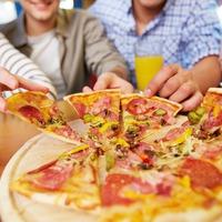 Неожиданные преимущества еды руками