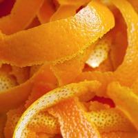 Зачем нужны апельсиновые корочки на даче?