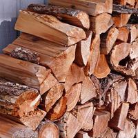 Евродрова или обычные дрова: что лучше?