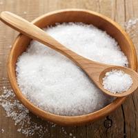 Поваренная соль на даче: варианты использования