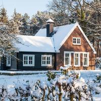 Чем заняться дачнику зимой: полезные советы