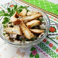 Салатик из фасоли