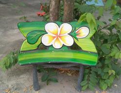 Растительные мотивы тайской садовой мебели