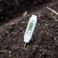Готовим грядку к посеву или как «разбудить» почву