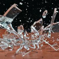 Как легко и быстро собрать битое стекло?