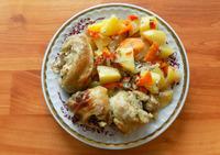 Курица с картофелем тушеная в духовке