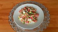 Салат из крабовых палочек с консервированной фасолью и яйцами. Видео рецепт