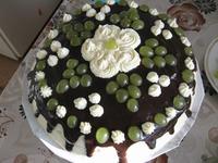 Праздничное угощение – торт «Молочная девочка»