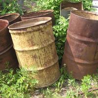 Как уберечь дно железной бочки от коррозии?