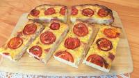 Пирог из кабачков с помидорами и колбасой. Видео рецепт